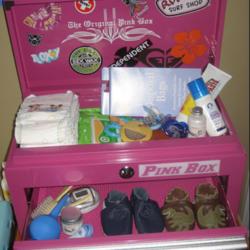 moms-pink-box.png